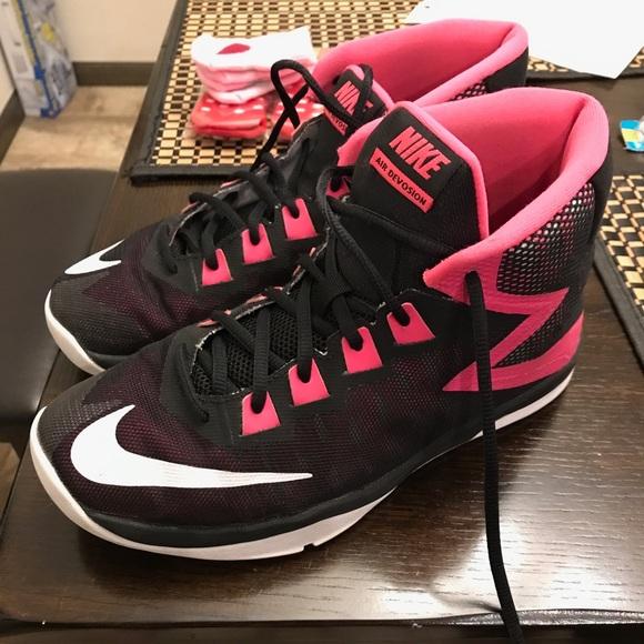Nike Youth Girls Basketball Shoes